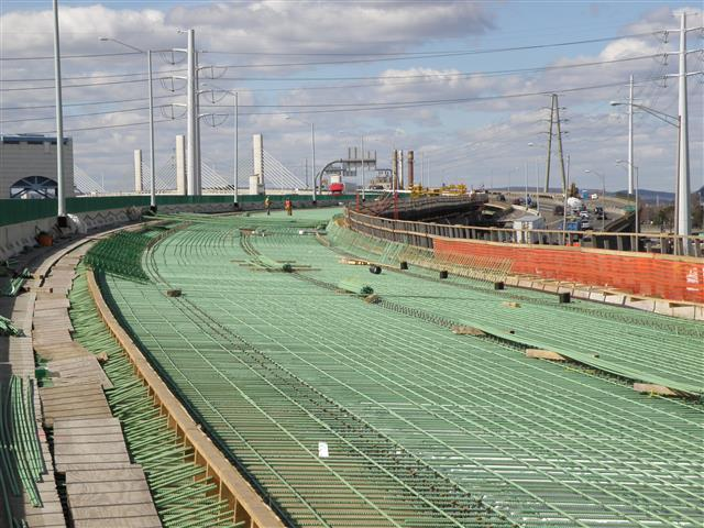 Deck construction for the second half of the I-95 Northbound east approach