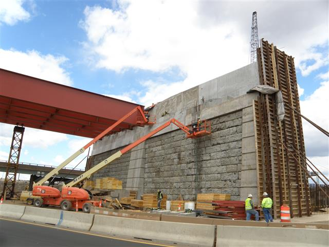 Bridge abutment construction for the I-95 west approach