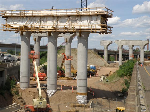 Construction of support columns for new I-95 Southbound elevated roadway.