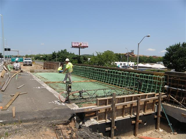 Widening I-91 Northbound bridge over I-91 Southbound Exit 2 Ramp.
