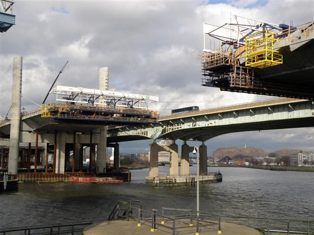 On-going construction of the new Q-Bridge