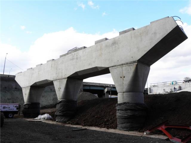 Concrete pier for the bridge that will carry I-95 NB to I-91 NB